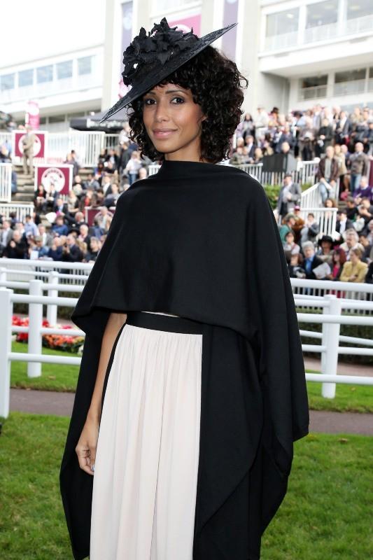 Sonia Rolland lors du 91e Prix de l'Arc de Triomphe à Longchamp, le 7 octobre 2012.
