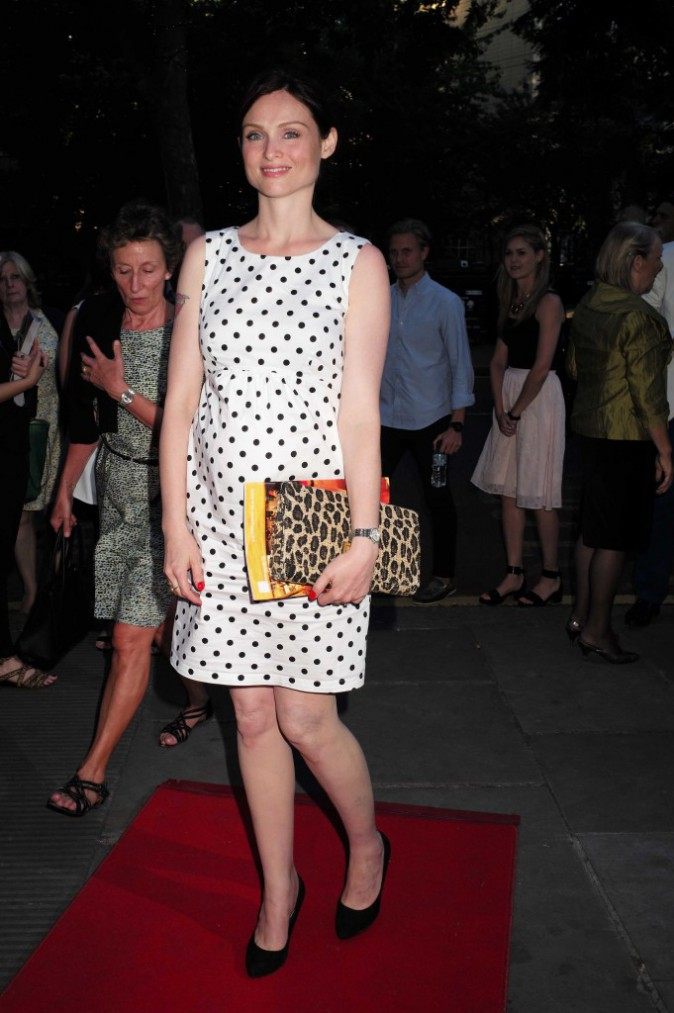Photos :  Sophie Ellis-Bextor : petite robe et joli bidon !