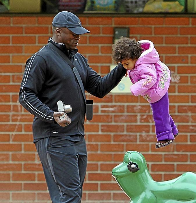 Enfants de stars : Seal joue les gros bras avec sa fille Lou