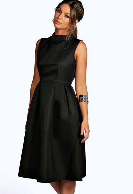 Une robe Boohoo.com