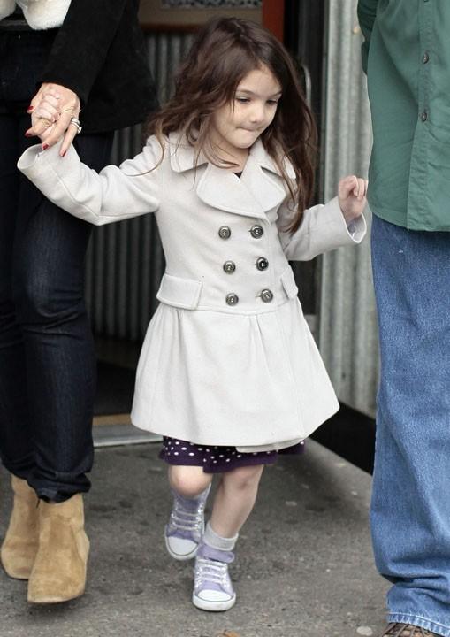 Elle change de tenue au gré de ses caprices, c'est déjà une vraie fashionista !