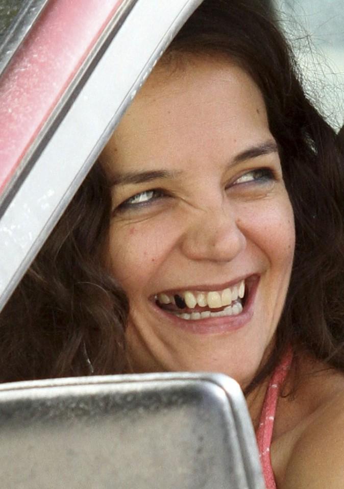 Photos : Suri Cruise préssée de retrouver Katie Holmes et sa dent en moins !