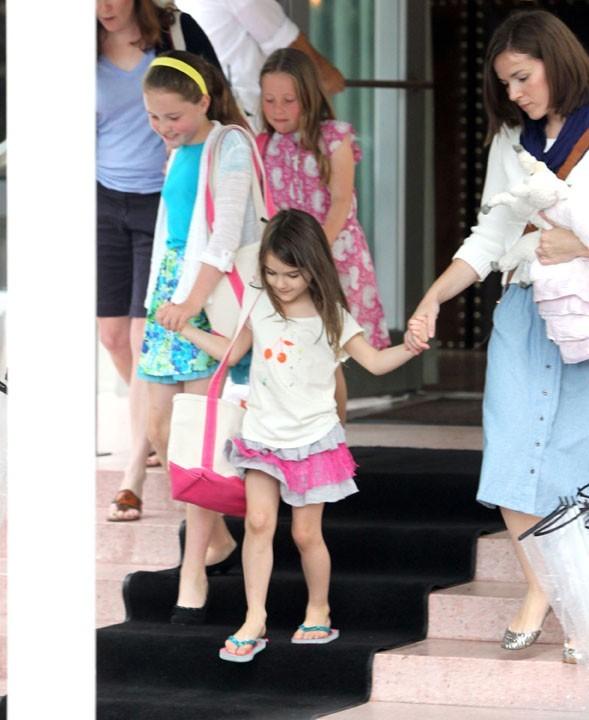 Suri est venue pour voir son papa Tom Cruise à Miami !