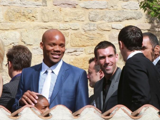Sebastien Squillaci, Anthony Reveillere et Jean-Alain Boumsong lors du mariage de Sydney Govou et sa compagne Clémence Catherin, le 18 juin 2011 à Replonges.