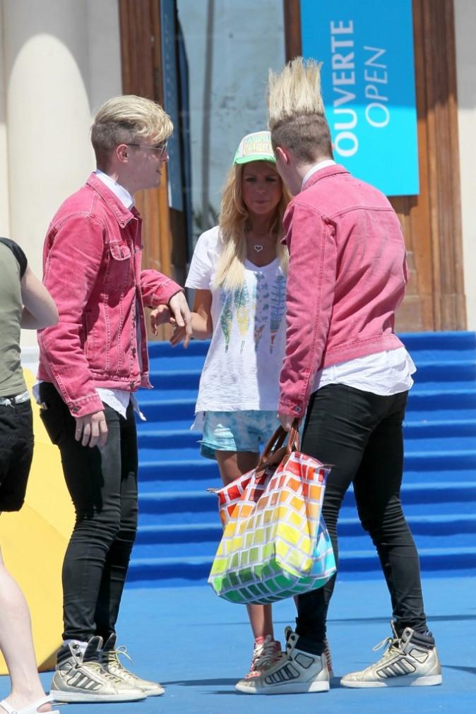Tara Reid et les Jedward, Cannes, 29 juillet 2012