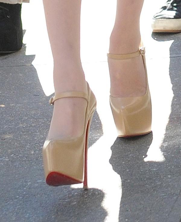 Taylor Momsen sur le tournage de Gossip Girl le 16 octobre 2012