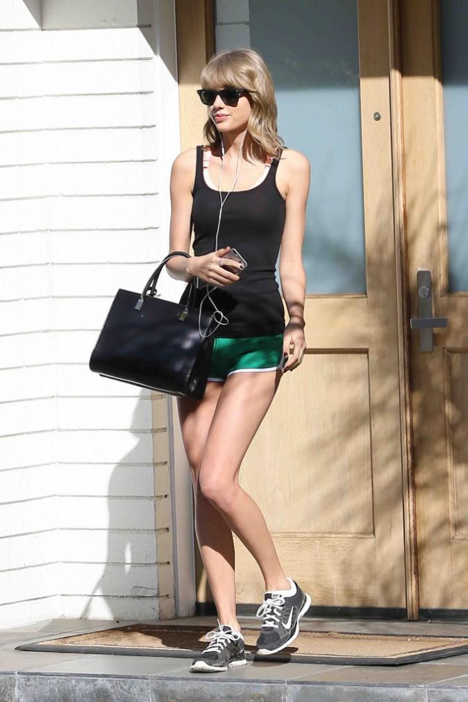 Taylor Swift : d'aussi belles jambes, ça s'entretient !