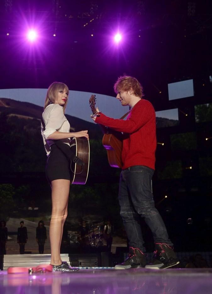 Taylor Swift et Ed Sheeran lors du Capital FM's Summertime Ball à Londres, le 9 juin 2013.