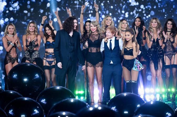 Taylor Swift et Ariana Grande au défilé Victoria's Secret organisé à Londres le 2 décembre 2014