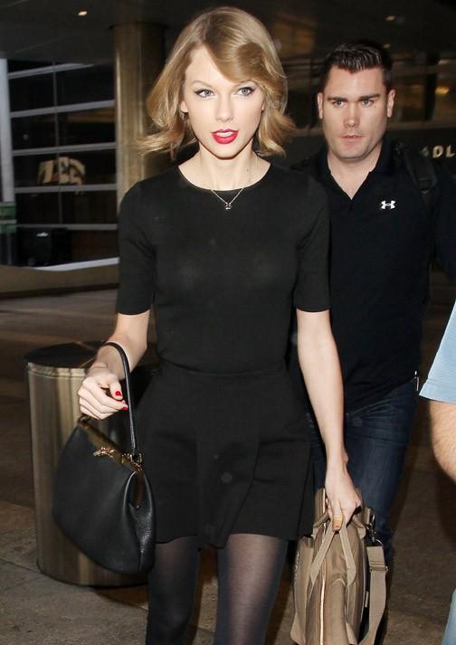 Taylor Swift à l'aéroport de Los Angeles le 12 février 2014