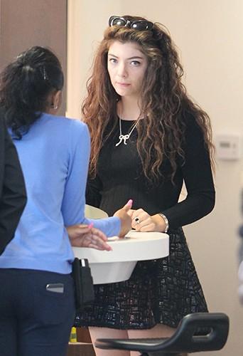 Lorde à Los Angeles le 23 février 2014