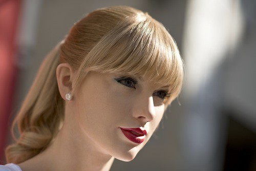 Photos : Taylor Swift : sa statue de cire : vrai double ou copie ratée ?
