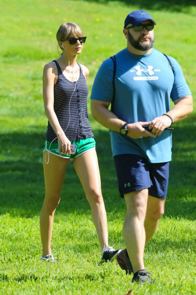 Taylor Swift : ses jambes valent 40 millions de dollars, alors il faut les entretenir...