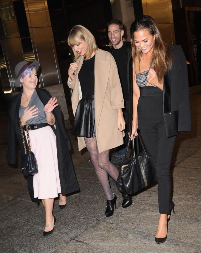 Taylor Swift, Kelly Osbourne et Chrissy Teigen le 11 novembre 2014