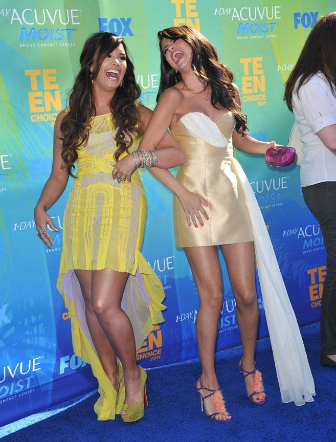Demi Lovato et Selena Gomez lors des Teen Choice Awards 2011 à Los Angeles, le 7 août 2011.