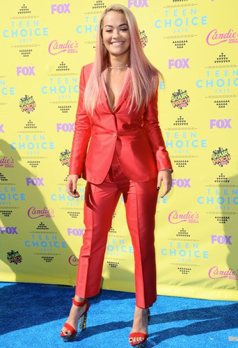 Photos : Teen Choice Awards 2015 : Rita Ora opte pour les cheveux roses !