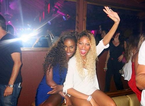 Photos : Tenny : la jeune chanteuse Française est-elle vraiment la nouvelle Beyoncé ?