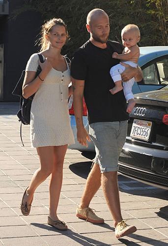 Teresa Palmer en famille à Los Angeles le 18 septembre 2014