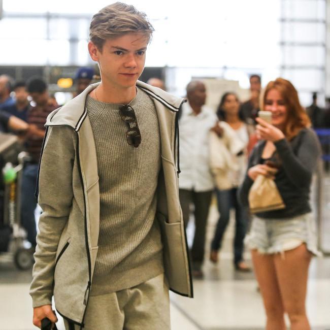Thomas Brodie-Sangster à l'aéroport de Los Angeles le 18 juillet 2015