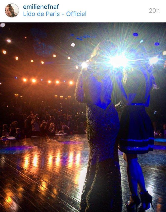 Emilie et Coralie sur scene