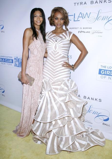 Tyra Banks et Chanel Iman lors du Flawsome Ball à New York, le 18 octobre 2012.
