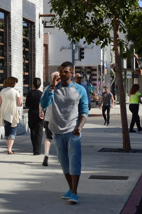 Usher dans les rues de Los Angeles le 29 juillet 2012