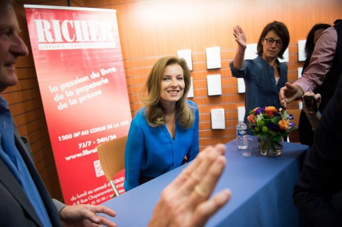 Valérie Trierweiler en séance de dédicaces à Angers le 10 octobre 2014