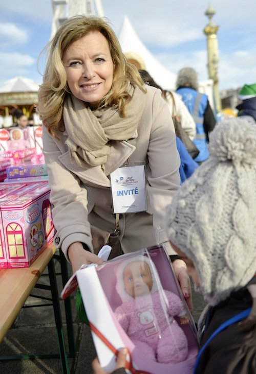 Photos : Valérie Trierweiler : aux côtés de Samy Naceri, elle donne tout pour la bonne cause !
