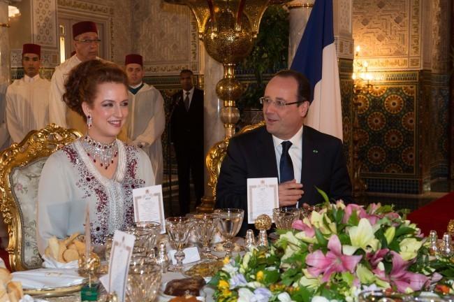 François Hollande profite du banquet marocain