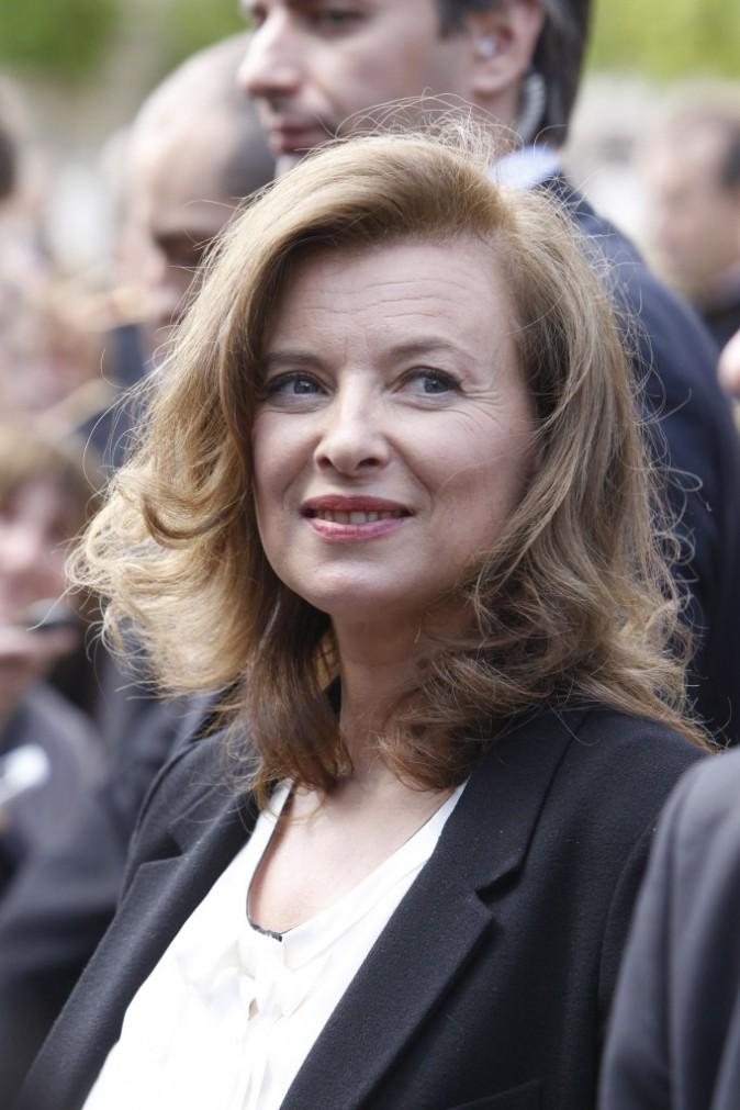Valérie Trierweiler : plus question de faire parler, elle reste dans l'ombre de François Hollande !