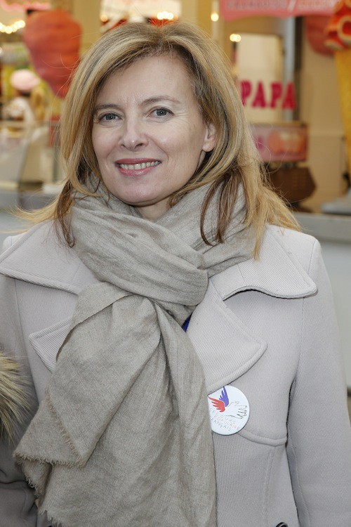 Photos : Valérie Trierweiler : une marraine bien entourée à la Foire du Trône !