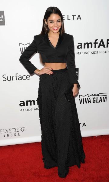 """Vanessa Hudgens lors de la soirée """"amfAR Inspiration Gala"""" à Los Angeles, le 12 décembre 2013."""