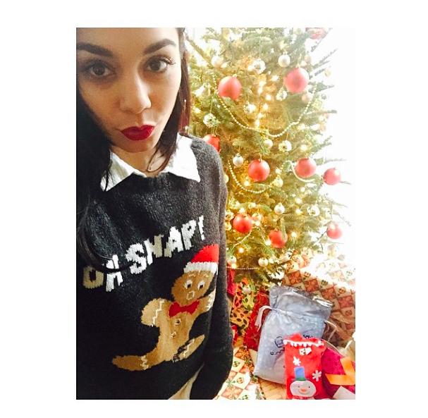 Vanessa Hudgens : en mode sexy pour un Noël en amoureux !