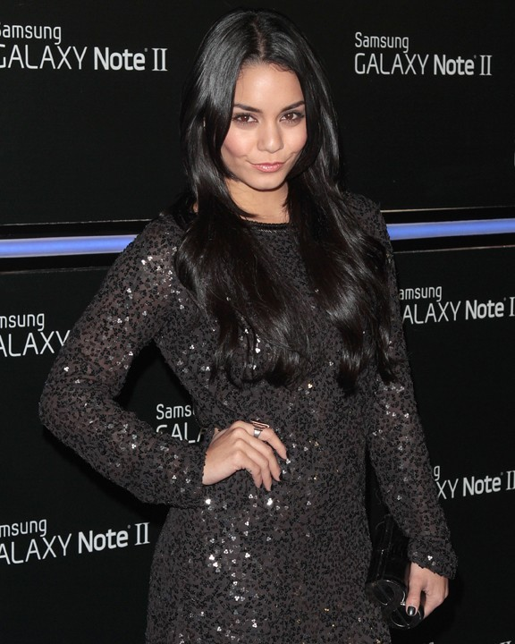 Vanessa Hudgens à la soirée de lancement du Galaxy Note II à Los Angeles le 25 octobre 2012
