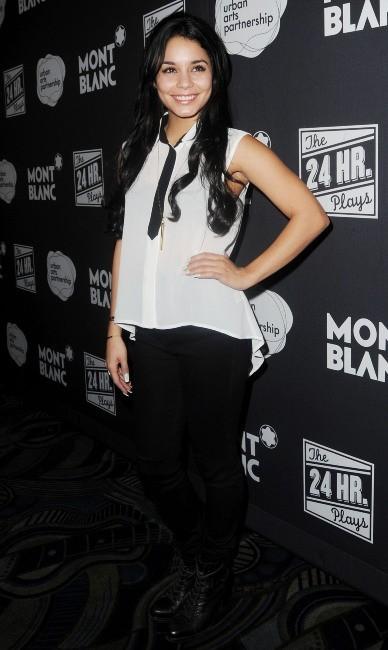 Vanessa Hudgens le 12 novembre 2012 à Broadway, New York