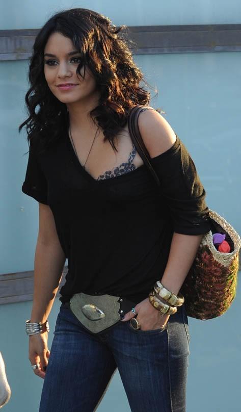 Vanessa Hudgens lookée sur Venice Beach le 2 août 2012