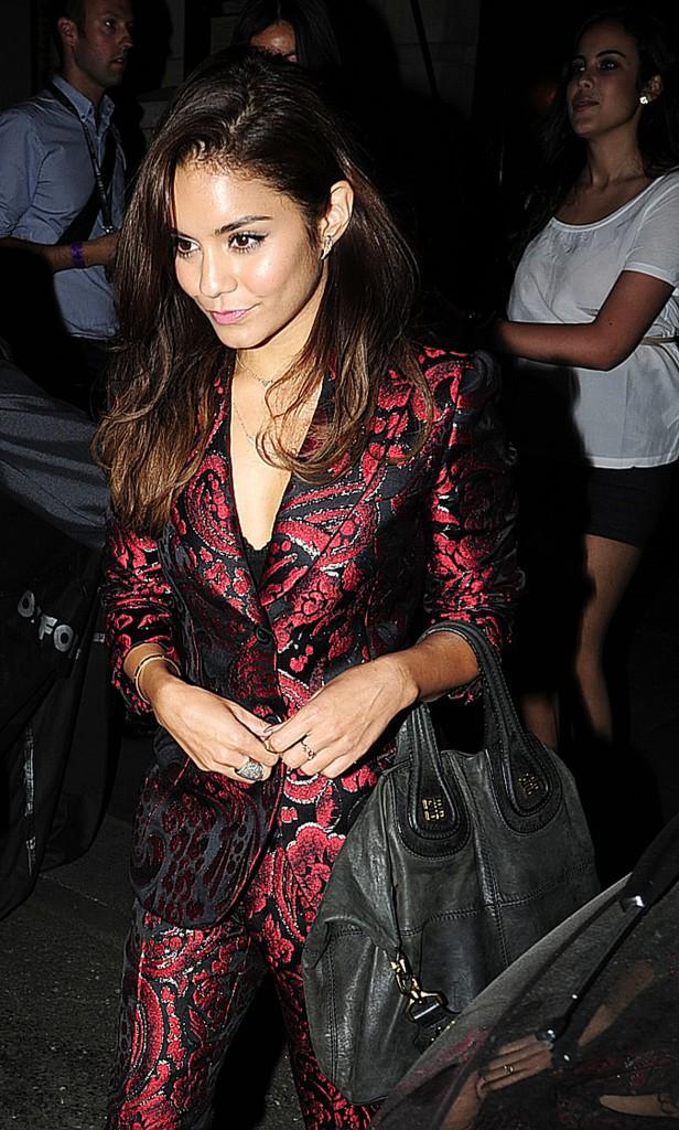 Vanessa Hudgens quittant le restaurant Balthazar à Londres, le 16 juillet 2013.