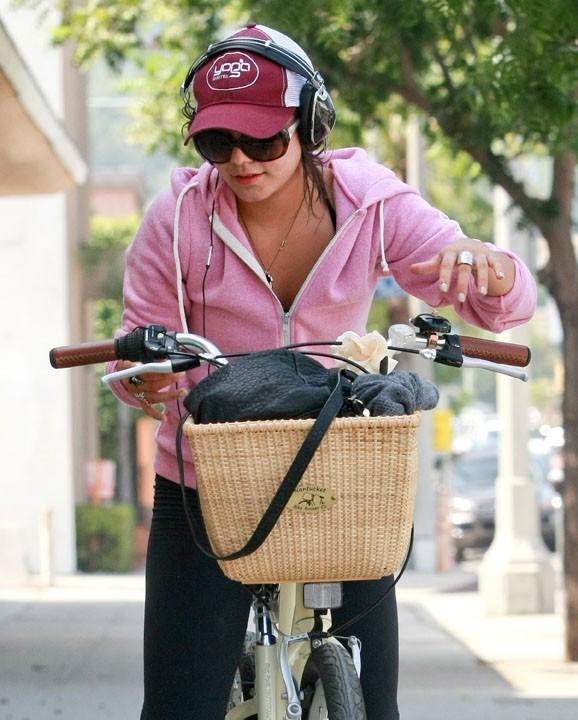 Quel joli panier sur son vélo!
