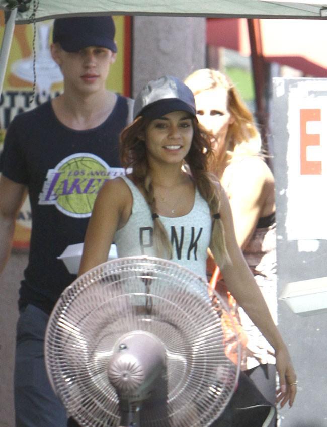 Vanessa Hudgens et Austin Butler à Studio City le 17 août 2013
