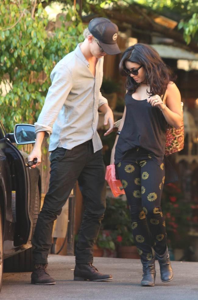 Vanessa Hudgens et Austin Butler le 1er août 2012 à Los Angeles