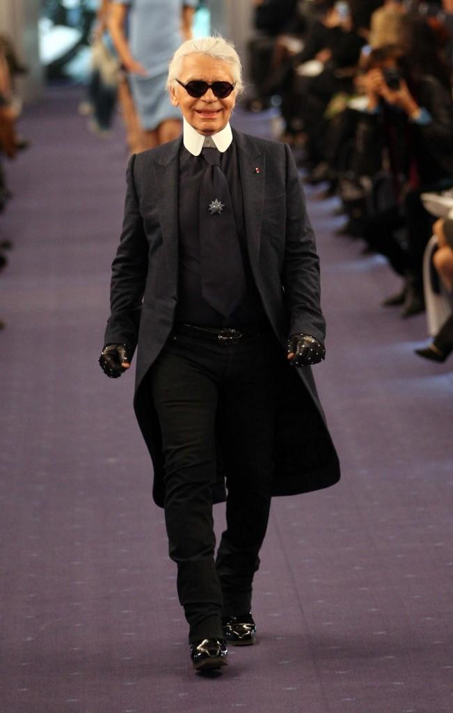 Karl Lagerfeld lors du défilé Chanel Haute Couture Spring-Summer 2012 à Paris, le 24 janvier 2012.