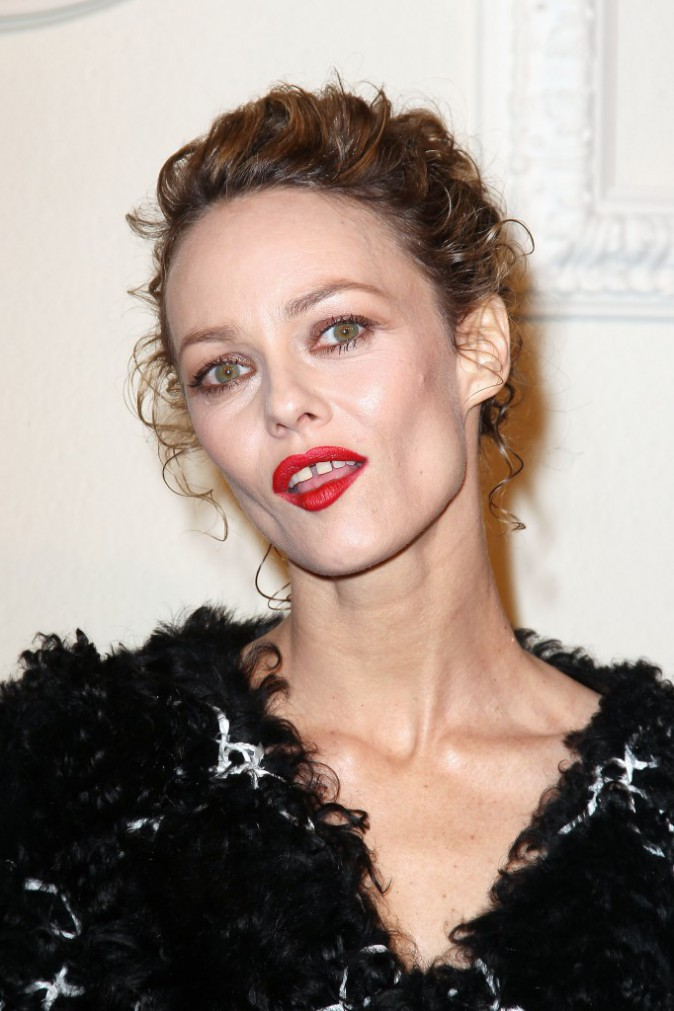 Photos : Vanessa Paradis tout en volume face à sa fille Lily-Rose, ventre à l'air chez Chanel !