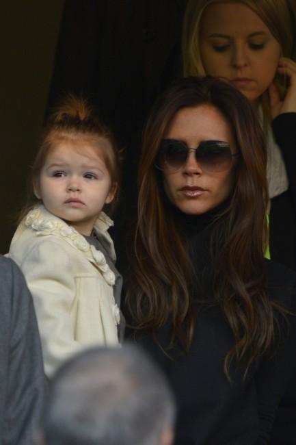 Victoria et Harper Beckham le 9 mars 2013 à Paris