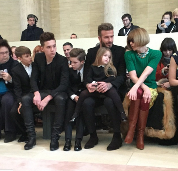 Photos : Victoria Beckham : David et les enfants chics pour assister à son défilé, Harper plus sage que North West !
