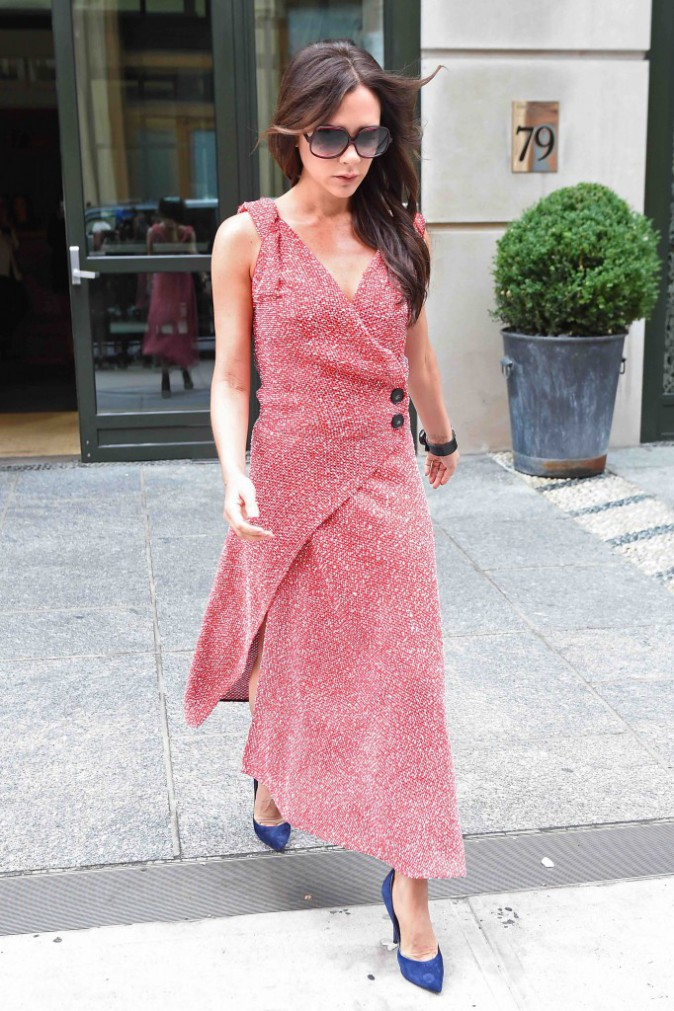 Victoria Beckham : elle a de la couleur dans sa garde robe !