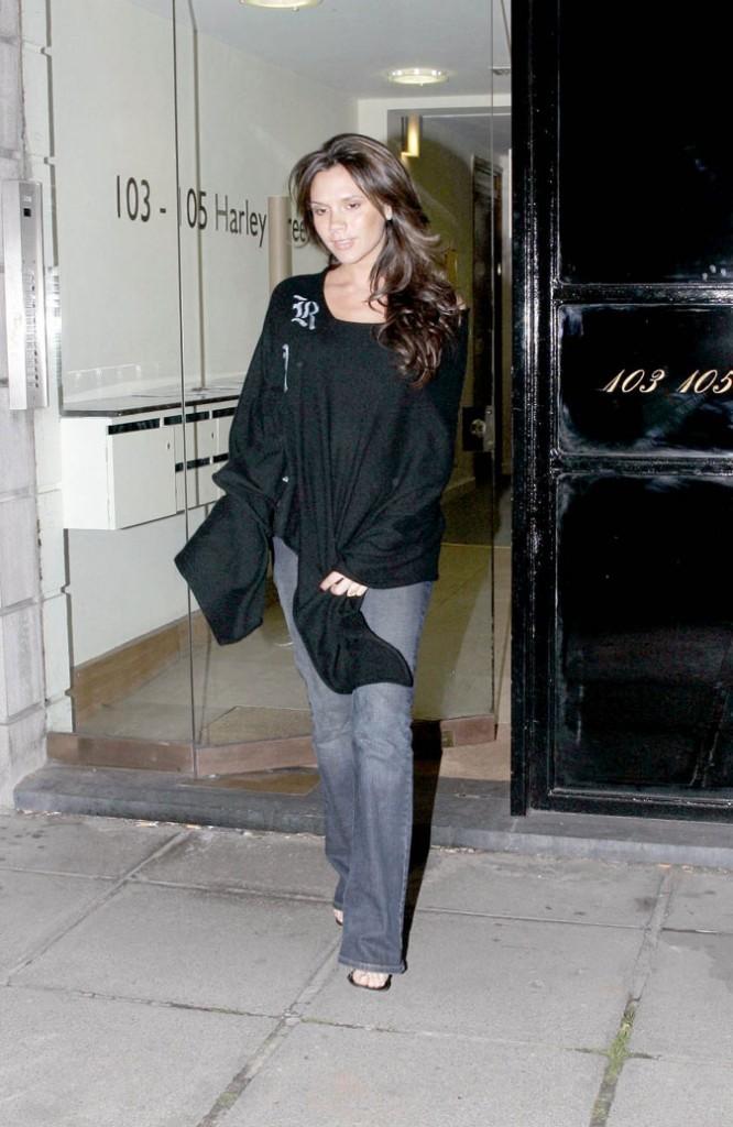 Victoria Beckham enceinte : un ventre inexistant pour son troisième bébé !