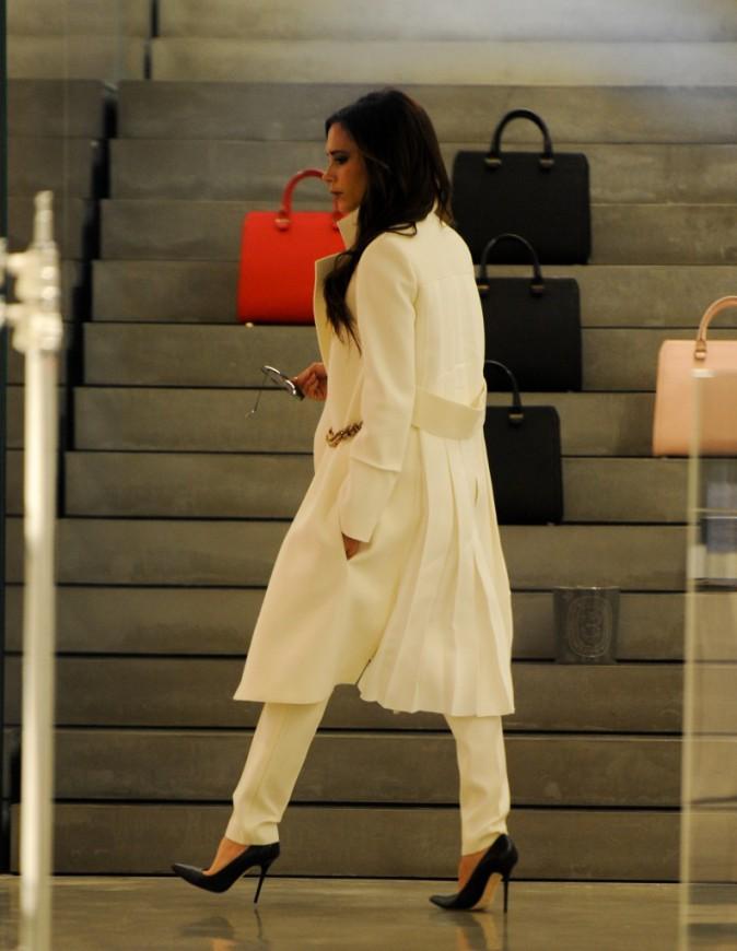 Photos : Victoria Beckham : heureuse dans sa boutique londonienne !