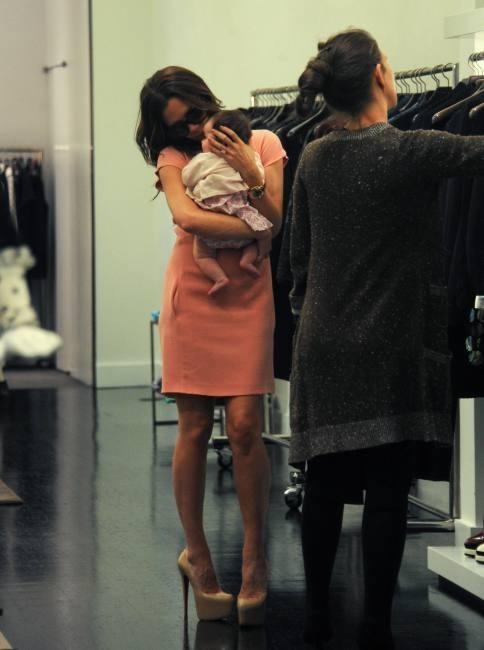 Victoria Beckham et sa fille Harper en plein shopping à New York, le 15 septembre 2011.