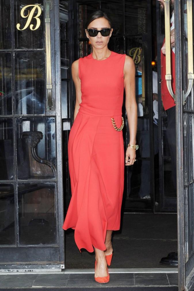 Photos : Victoria Beckham : le total look rouge, Posh maitrise !