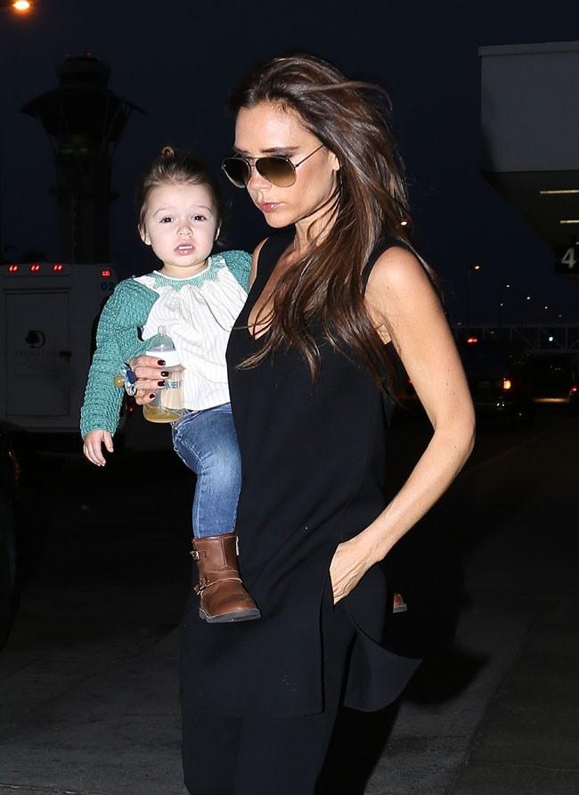 Victoria Beckham et Harper le 24 mai 2013 à Los Angeles